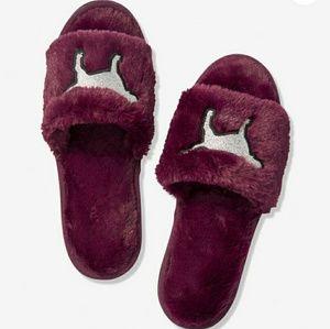 PINK Victoria's Secret Cozy Furry Slippers